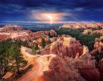1033-7-1 Lightning ove Bryce Canyon